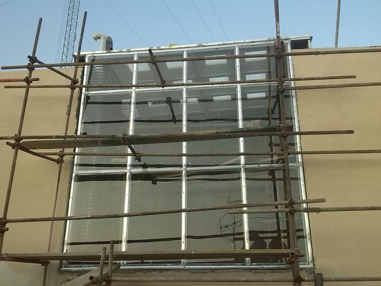 پوشش نورگیر ساختمان با دیواره ساختمانی | میرداماد