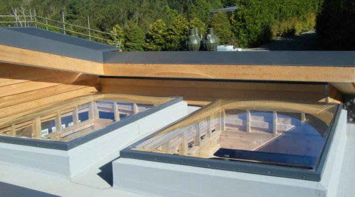 پوشش سقف با نورگیر حبابی