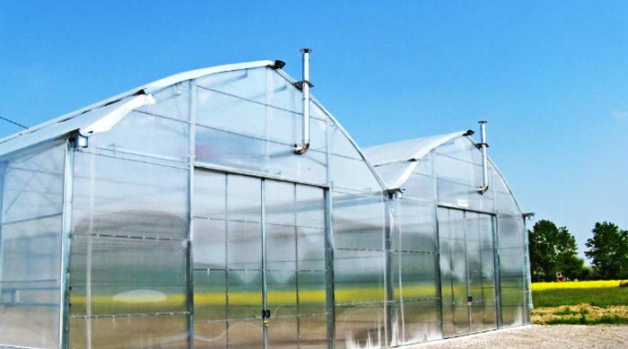 پوشش گلخانه با ورقه های نازک پلی اتیلن