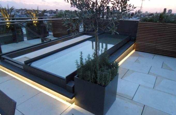 نورگیر سقفی متحرک