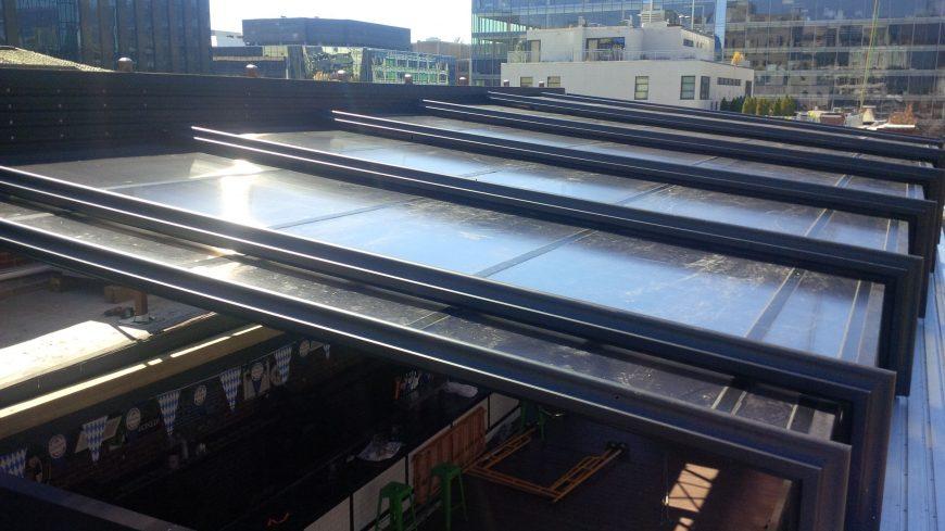 نورگیر سقف متحرک شیشه ای برای داشتن خانه ای پر نور