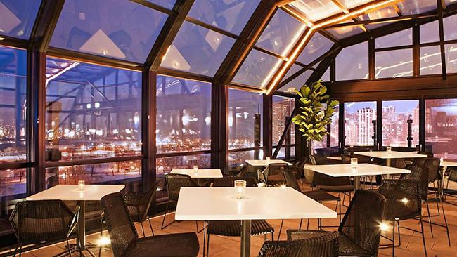 نورگیر متحرک رستوران